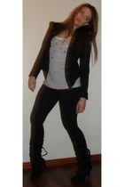 black supre leggings - heather gray supre shirt