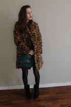 burnt orange leopard essentiel coat - black black suede random shoes