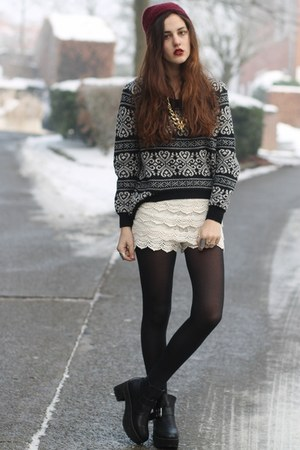 knitted chicwishcom sweater - crochet chicnova shorts