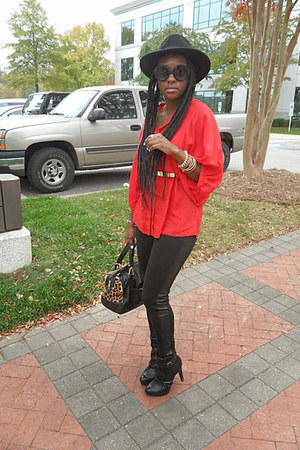 black booties rock and republic boots - black Aeropostale pants