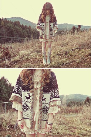 off white Durango boots - beige mexy shop sweater - eggshell Forever 21 shirt