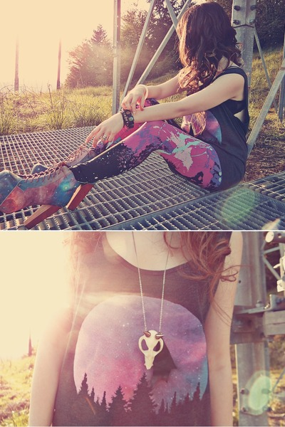 cream OS Accessories necklace - bubble gum Jeffrey Campbell boots