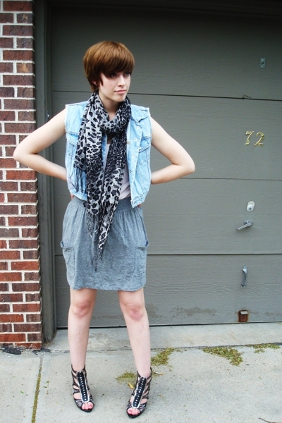 blue denim Vintage Ralph Lauren vest - black gladiator heels Bakers shoes