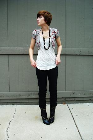 alloy boots - Express jeans - vintage sweater - Express t-shirt - vintage neckla