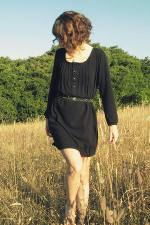 black via Crossroads dress - brown Journeys shoes - black self-made belt
