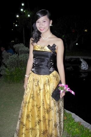 yellow is the new COLOR OF THE YEAR. :))