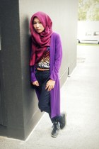 hot pink scarf - black boots - purple cardigan - navy pants