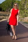 Red-dress-black-bag-black-heels