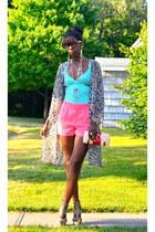aquamarine cotton top - bubble gum romantic H&M shorts - tan leather sandals