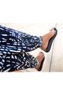 Black-platforms-h-m-sandals-red-thrifted-scarf-turquoise-blue-deux-lux-bag