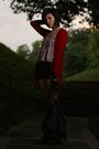 Red-zara-cardigan-pink-supre-top-blue-new-look-shorts-black-zara-purse-b