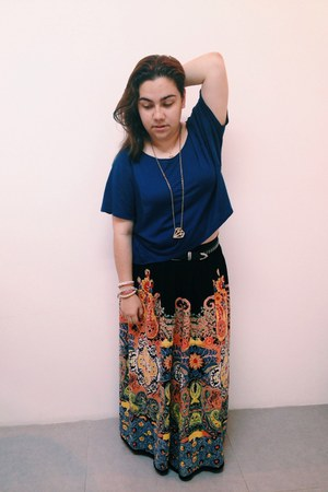 black maxi skirt Forever 21 skirt - hanging shirt Zara top