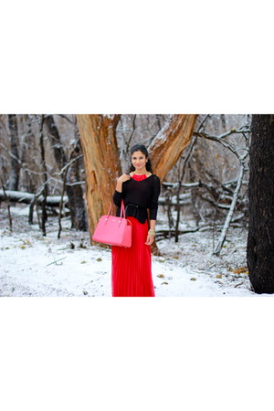 black H&M sweater - red kate spade bag