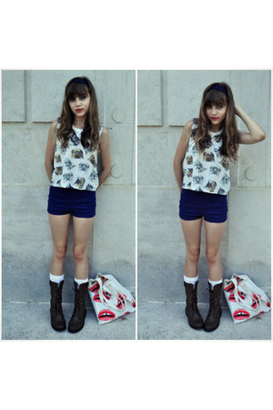 cat crop top Forever 21 t-shirt - brown combat Qupid boots