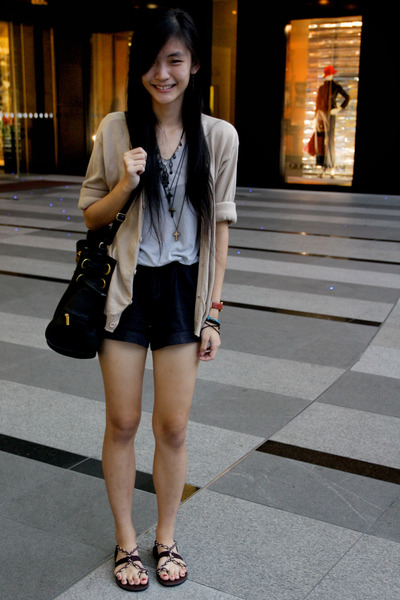 nude cardigan - heather gray shirt - black bag - black shorts - maroon sandals