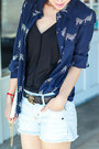 Chanel-belt-alice-olivia-shirt-ray-ban-sunglasses-chanel-flats
