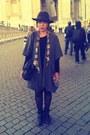 Black-fedora-italian-hat-black-leather-sportsgirl-bag-dark-gray-oversized-sh