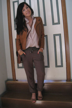 brown Sisco jacket - brown Sportsgirl shoes - beige vintage blouse - green Temt