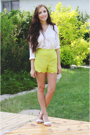 yellow LuLus shorts - white Zara heels