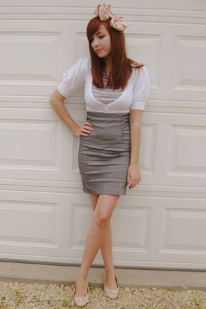 gray Costa Blanca skirt - pink Costa Blanca shoes - gray joe fresh style shirt