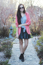 coral Costa Blanca jacket - black Chicwish skirt