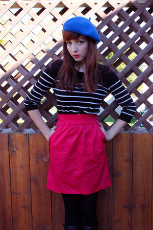blue H&amp;M hat - black H&amp;M top - red Dynamite skirt