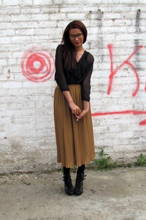 thrifted vintage skirt - sheer Siren blouse - black Dorothy Perkins heels - Urba