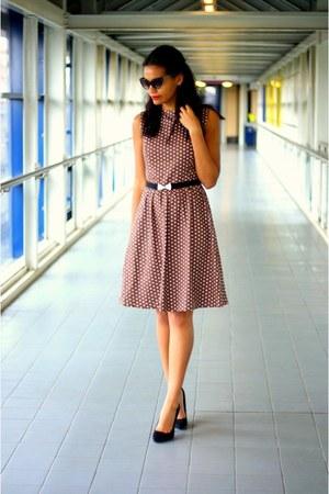 brown polka dot vintage dress - black suede Kurt Geiger shoes