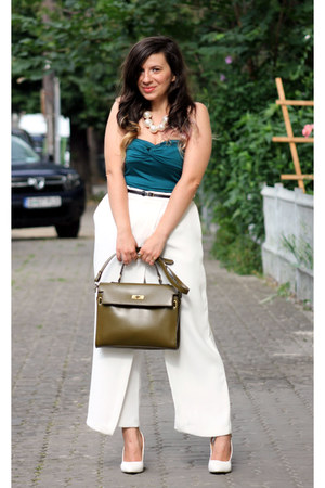 white Front Row Shop necklace - ivory Mart of China shoes - teal Terranova top