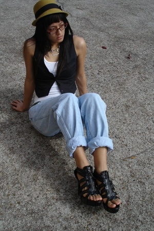 f21 vest - Hanes top - Salvation Army jeans - GoJane shoes - f21 hat - Salvation