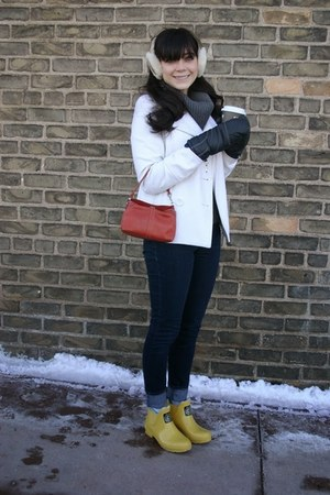Joules boots - Old Navy coat - Levis jeans - Ugg hat - Gap sweater
