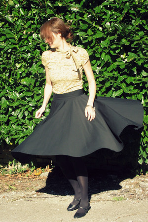 black full handmade skirt - black mary janes andré shoes