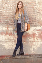 black vintage lace up boots - navy dark wash jeans - tawny purse