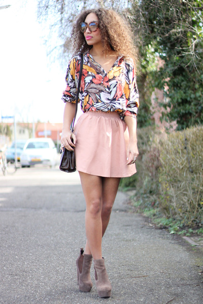 leather Chicwish skirt - asos boots - Oldnewthings bag - vintage blouse