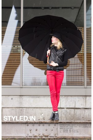 ruby red faux leather pants - black Nelly White Label boots - black H&amp;M hat