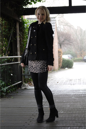 tan leopard Zara dress - black military H&M jacket - black Vero Moda tights