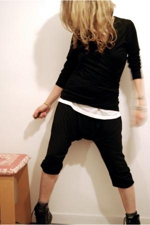 pants - t-shirt - boots