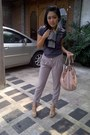 Black-milano-story-scarf-peach-robeanco-bag-heather-gray-pants