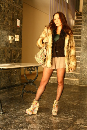 light pink wedges - light brown fake fur H&M jacket - tan shorts