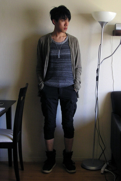 gray Nice Collecive jacket - gray Vroom top - black The Viridi-Anne shorts - bla