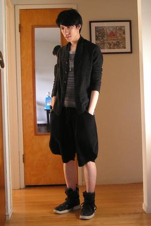 The Viridi-Anne sweater - Vroom top - Odyn Vovk shorts - Diet Butcher Slim Skin