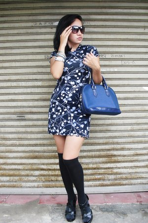leaf blue dress Gap dress - leather bag Louis Vuitton bag - black sock next sock