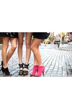 Fab Shoes Blvd.