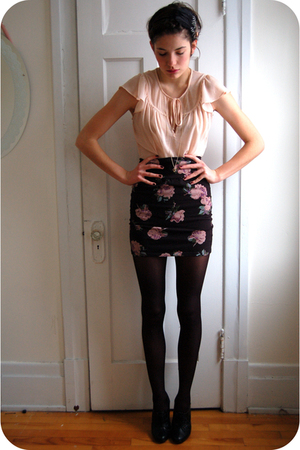 black Talula skirt - black H&M shoes - black American Apparel stockings