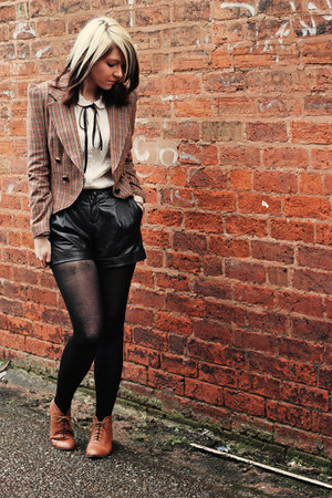 tan Primark blazer - tawny new look boots - black Very shorts