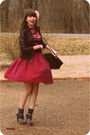 Red-wyeth-skirt-pink-custo-barcelona-top-brown-target-jacket-gray-ual-neck