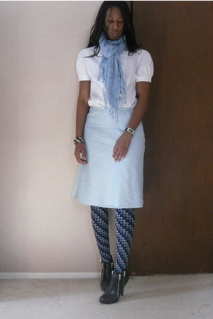 blue skirt - white blouse - black boots - white