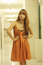 Burnt-orange-garage-manila-dress-black-syrup-heels