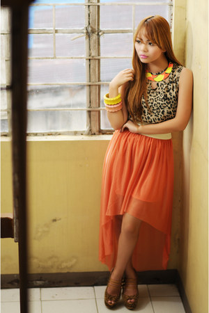 light yellow wooden bangles from Cebu accessories - brown So FAB heels