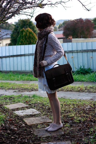 Brown-multi-knit-dotti-scarf-dark-brown-felt-satchel-chicwish-bag_400